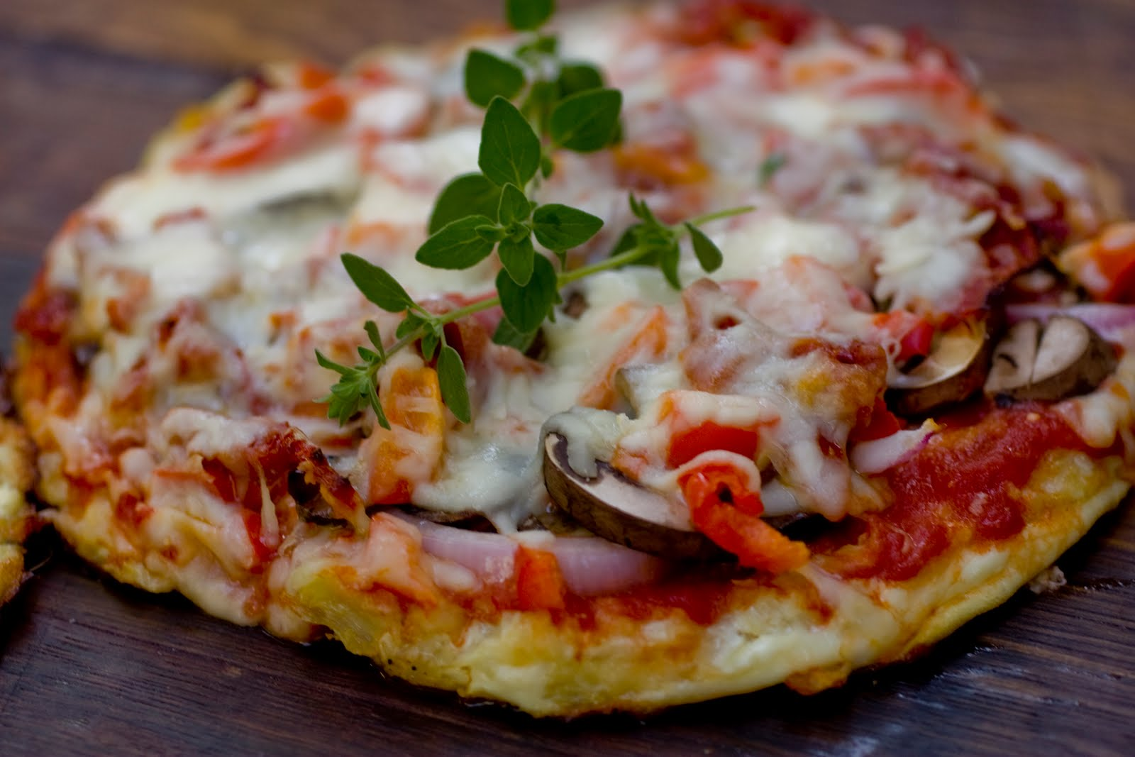 Click image for larger version.   Name: cauliflower pizza3.jpg  Views: 2742  Size: 137.2 KB  ID: 108590