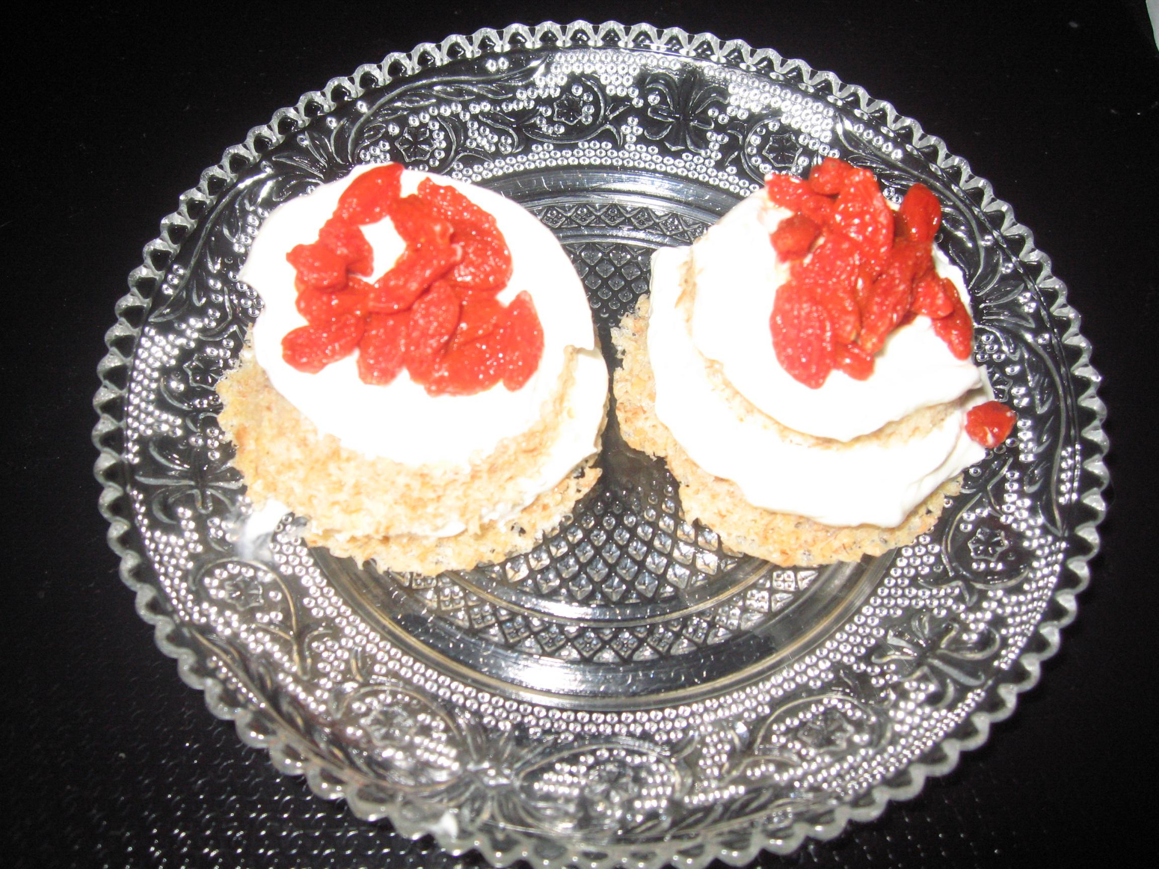 Microwave 'muffins' (also Attack and Conso)-goji-layered-muffins.jpg