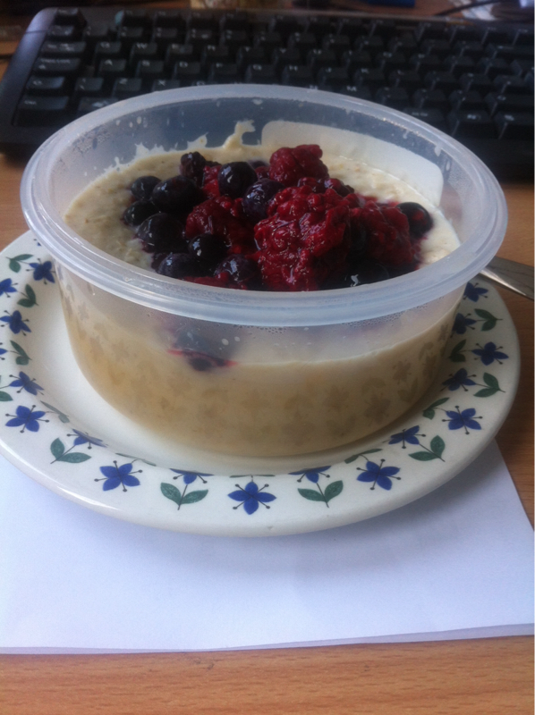 Extra Easy: Oat So Simple porridge pots-image-612388261.jpg