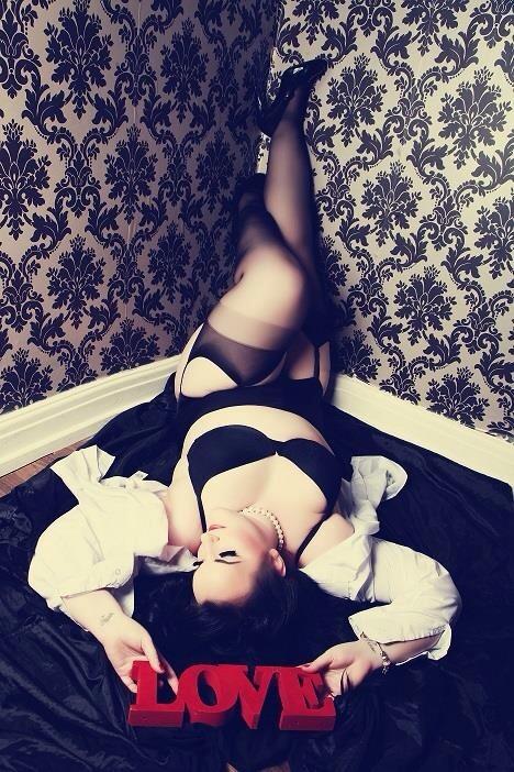 I had a boudoir photo shoot!!-image.jpg